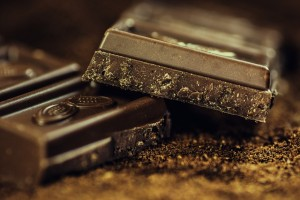 6 SINFULLY SWEET NOT-SO-SECRET HEALTH BENEFITS OF DARK CHOCOLATE